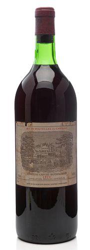 A Magnum bottle of Château Lafite Rothschild, vintage 1973. Category: red wine. Pauillac, Bordeaux (France). Level: B. 1,5 L.