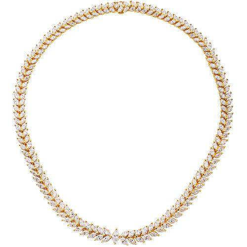GARGANTILLA CON DIAMANTES EN ORO AMARILLO DE 18K con diamantes corte marquise ~24.67 ct y un diamante corte brillante | CHOKER WITH DIAMONDS IN 18K YE