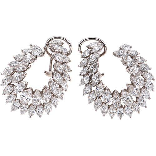 PAR DE ARETES CON DIAMANTES EN PLATINO con diamantes corte marquise ~8.80 ct. Peso: 15.0 g | PAIR OF EARRINGS WITH DIAMONDS IN PLATINUM Marquise cut d