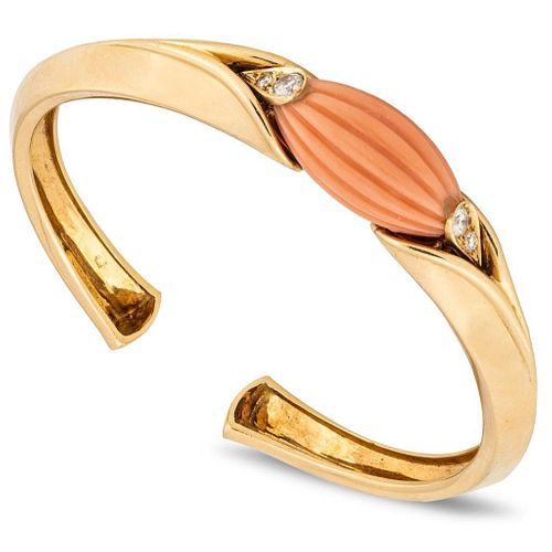 Van Cleef & Arpels Coral & 18K Bracelet W/Diamonds