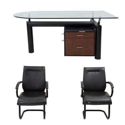Lote de muebles para oficina. SXXI. Consta de: Escritorio. Estructura de metal, con cubierta semioval de cristal. 2 Sillones. Piezas: 3