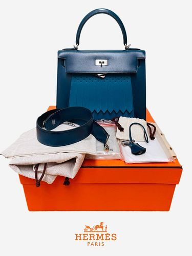 A Hermes Kelly 28 BLUE GOLF BOX LEATHER Bag