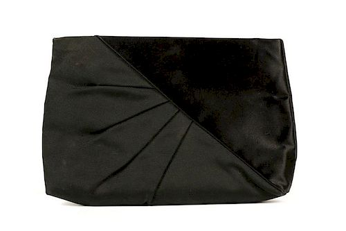 Vintage Ferragamo Black Satin Frame Clutch Purse. Lot 112. Prev Lot · Next  Lot · item Image 29d3c3eecf4e8