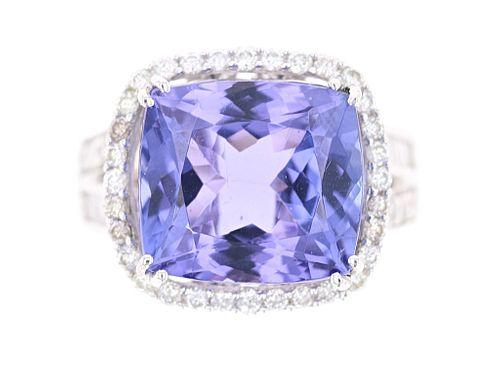 10.39 cts. Tanzanite VS2 Diamond & 18k Gold Ring