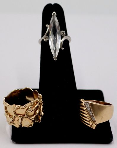 JEWELRY. (3) 14kt and 10kt Gold Rings.