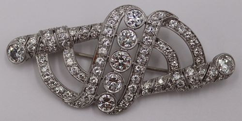 JEWELRY. Art Deco Platinum and Diamond Brooch.