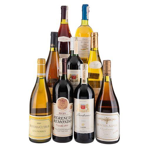 Lote de Vinos Blancos y Tintos de Francia e Italia. Chateaneuf Du Pape. En presentaciones de 750 ml. Total de Piezas: 9.