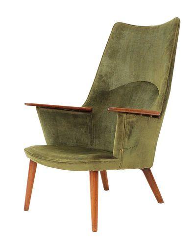 An 'AP27' lounge chair,