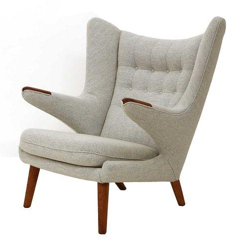 An 'AP-19 Papa Bear' chair