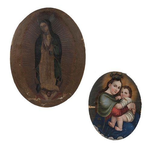 ANÓNIMOS. Virgen del Refugio y Virgen de Guadalupe. Óleos sobre tela. Diseños ovales. 84 x 65 cm (mayor). Piezas: 2