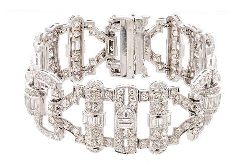 Art Deco platinum bracelet. France, ca. 1930.