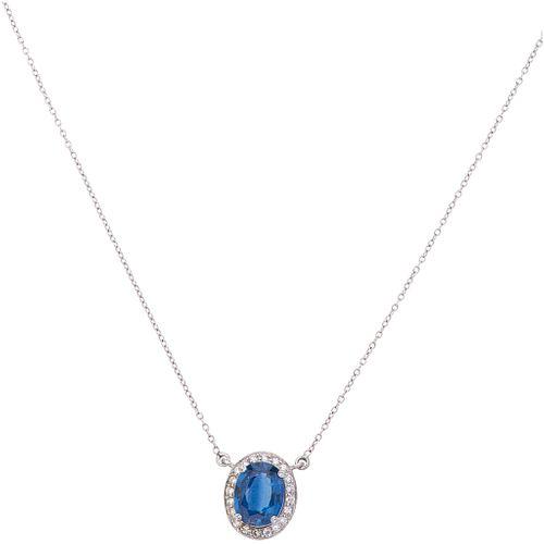 GARGANTILLA Y PENDIENTE CON ZAFIRO Y DIAMANTES EN ORO BLANCO DE 18K con un zafiro corte oval ~1.0ct y diamantes corte brillante ~0.10ct | CHOKER AND P