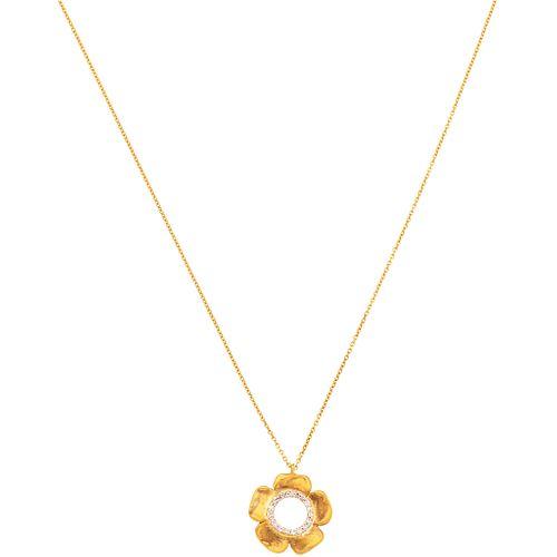 GARGANTILLA Y PENDIENTE CON DIAMANTES EN ORO AMARILLO DE 18K con diamantes corte brillante ~0.07 ct. Peso: 3.0 g | CHOKER AND PENDANT WITH DIAMONDS IN