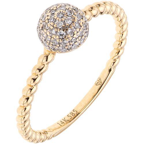 ANILLO CON DIAMANTES EN ORO AMARILLO DE 14K con diamantes corte 8x8 ~0.20 ct. Peso: 1.8 g. Talla: 6 ¾ | RING WITH DIAMONDS IN 14K YELLOW GOLD 8x8 cut