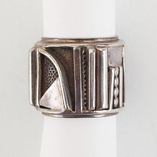 Eveli Sabatie Geometric Silver Ring
