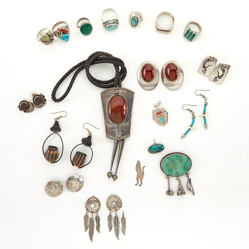 Lrg Grp: SW Native American Jewelry Silver