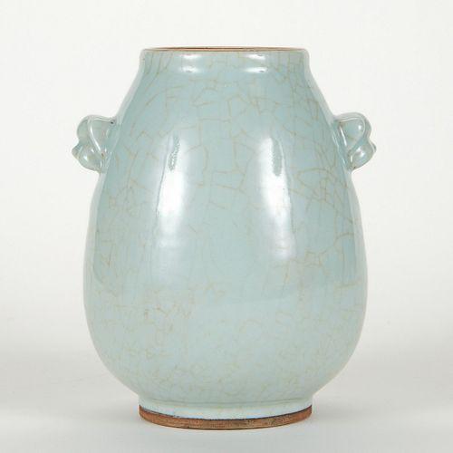 Chinese Crackle Dog Masked Vase