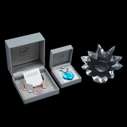 Lote de artículos decorativos. Francia, SXX. Elaborados en cristal de Lalique y Baccarat. Piezas: 3