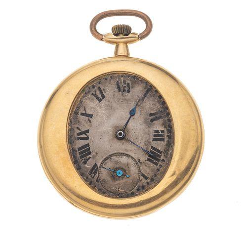 Reloj de bolsillo sin marca en oro amarillo 18k. Movimiento manual. Caja circular en oro amarillo de 18k de 45 mm.