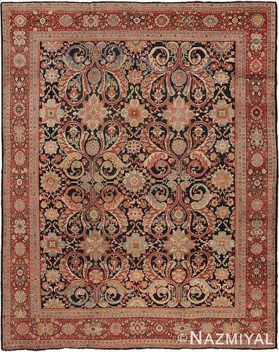 ANTIQUE PERSIAN SULTANABAD CARPET. 12 ft 9 in x 10 ft 3 in (3.89 m x 3.12 m).