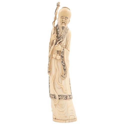 SABIO, CHINA Ca.1900 Talla en marfil Firmado Detalles de conservación 43 cm de alto