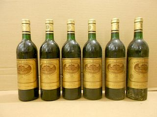 Chateau Batailley, Pauillac 5eme Cru 1985, twelve bottles. Removed from a college cellar <br>