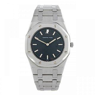 AUDEMARS PIGUET - a lady's Royal Oak bracelet watch. Stainless steel case. Number 270, serial B55809