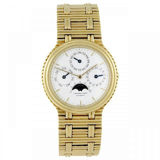 AUDEMARS PIGUET - a gentleman's Quantiéme Perpétuel bracelet watch. 18ct yellow gold case. Numbered