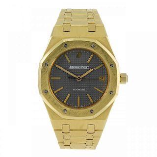 AUDEMARS PIGUET - a gentleman's Royal Oak bracelet watch. 18ct yellow gold case. Reference D-51409,