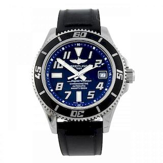 BREITLING - a gentleman's Aeromarine Superocean wrist watch. Stainless steel case with calibrated be