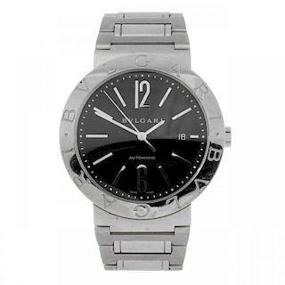 BULGARI - a gentleman's Bulgari bracelet watch. Stainless steel case. Reference BB42SS, serial 01004