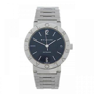 BULGARI - a gentleman's Bulgari bracelet watch. Stainless steel case. Reference BB33SS, serial D9148