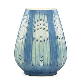 H. BAILEY; NEWCOMB COLLEGE Español vase