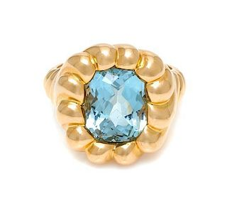 An 18 Karat Yellow Gold and Aquamarine Turban Ring, Verdura, 8.10 dwts.