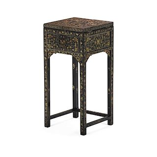 CHINESE EXPORT BLACK LACQUER DRESSING TABLE