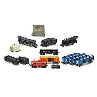 LIONEL PRE-WAR ENGINES AND LATER ACCESSORIES