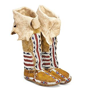 AMERICAN INDIAN BEADED HIDE BOOT MOCCASINS