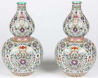 Pair of Fine Large Chinese Famille Rose Vases