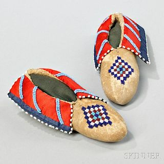 Pair of Beaded Cloth and Hide Kickapoo Child's Moccasins