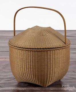 Martha Wetherbee, splint ash lidded basket, initialed and dated '88, 12'' h.