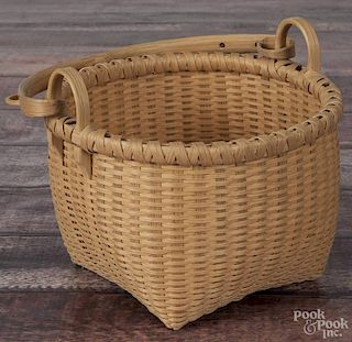 Aaron Yakim, splint oak berry basket, signed and dated '00, 8 3/4'' h.