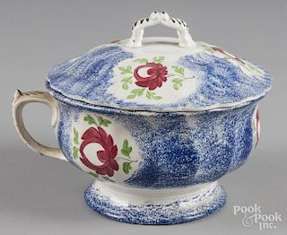 Blue spatter lidded chamberpot with Adams rose decoration, 7 3/4'' h.