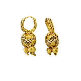 PAIR OF GRECO-SCYTHIAN GOLD EARRINGS, 6TH-1ST C. B.C.