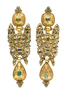 * A Pair of Georgian Yellow Gold and Emerald Convertible Pendoloque Drop Earrings, Spain/Portugal, 27.00 dwts.