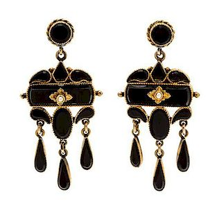 A Pair of Victorian Yellow Gold and Onyx Pendant Earrings, 5.80 dwts.
