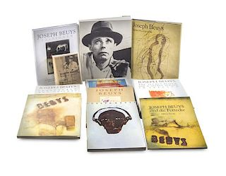 Beuys, JosephUmfangreiche Dokumentationsbibliothek zum Werk von Joseph Beuys. Enthaltend 93 Bde. verschiedene Formate 8° bi
