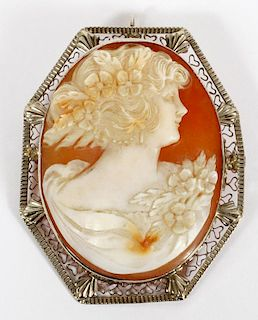 LADY'S 14K GOLD AND SHELL CAMEO EARLY 20TH C.