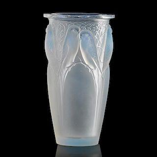 "LALIQUE ""Ceylan"" vase, opalescent glass"