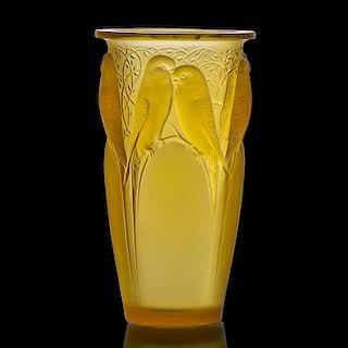 "LALIQUE ""Ceylan"" vase, yellow glass"