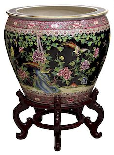 LARGE CHINESE FAMILLE-NOIR PORCELAIN FISH BOWL